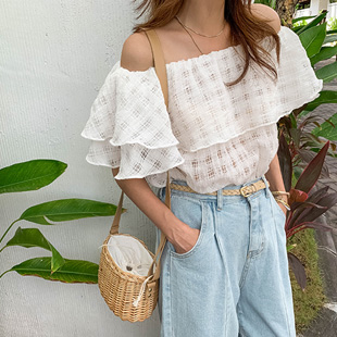 Hemming-off shoulder blouse (ivory)
