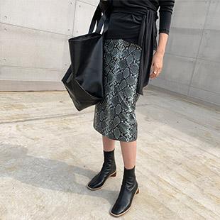 Hannizen Python Leather Skirt